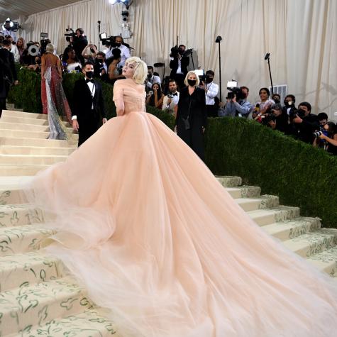 Billie Eilish Channels Marilyn Monroe in Oscar de la Renta gown at the 2021 Met Gala.