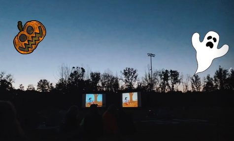 Junior Class Council hosted Outdoor Halloween Movie Night on the turf field Oct. 7.
